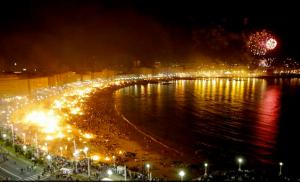 strand van Barcelona, avond voor sint Jan