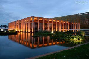 Tamaraty, zetel van het Brzilaanse ministerie van Buitenlandse zaken in de hoofdstad. Ontworpen door Oscar Niemeyer
